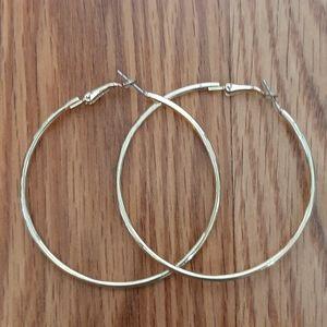 5/50% large hoop earrings